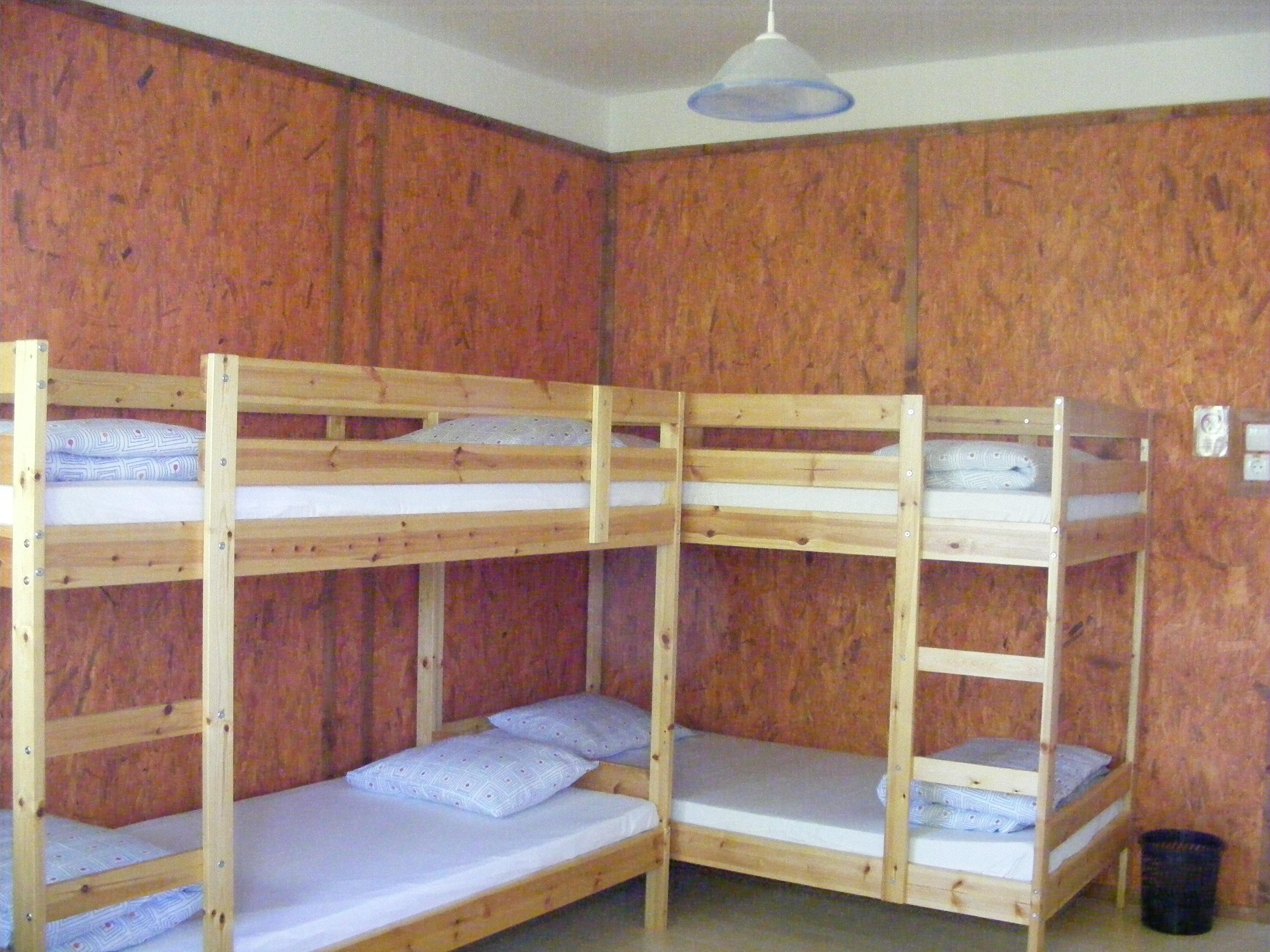 dorm_room1