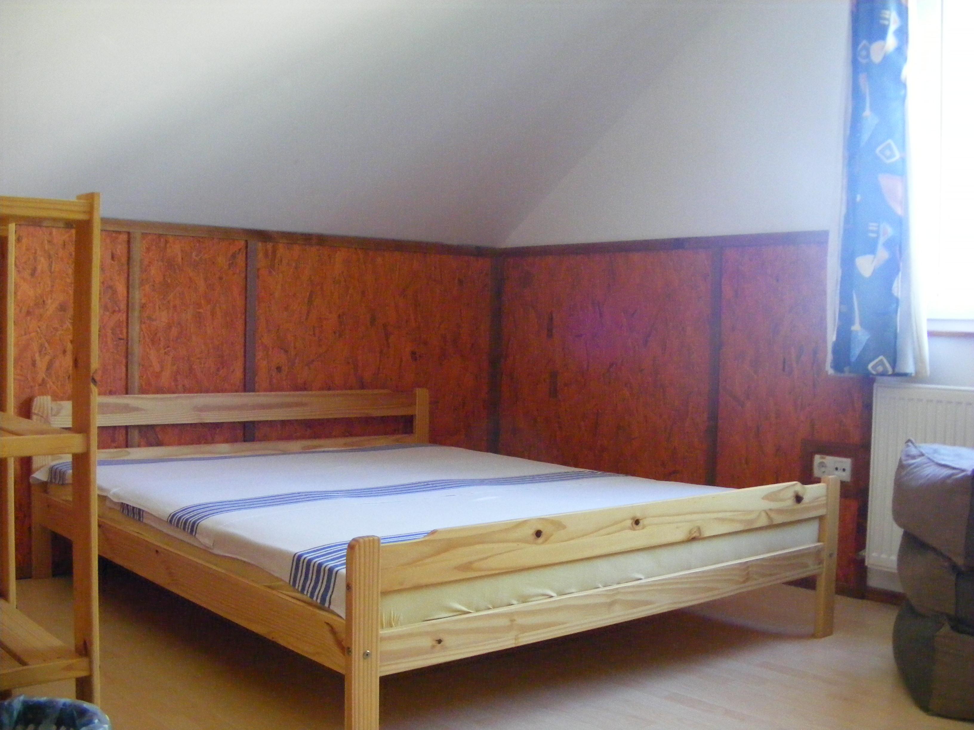 dorm_room2
